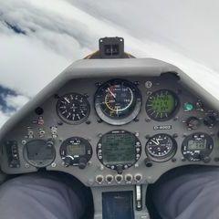 Flugwegposition um 14:24:42: Aufgenommen in der Nähe von Gemeinde Tux, Österreich in 4378 Meter