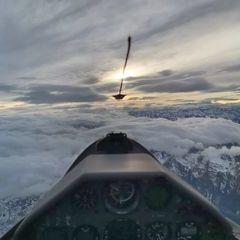 Flugwegposition um 15:25:41: Aufgenommen in der Nähe von Gemeinde Kolsassberg, Österreich in 3961 Meter