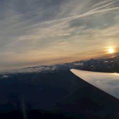 Flugwegposition um 14:43:47: Aufgenommen in der Nähe von Gemeinde Rum, Rum, Österreich in 2108 Meter
