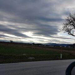 Verortung via Georeferenzierung der Kamera: Aufgenommen in der Nähe von Gemeinde Winzendorf-Muthmannsdorf, Österreich in 400 Meter