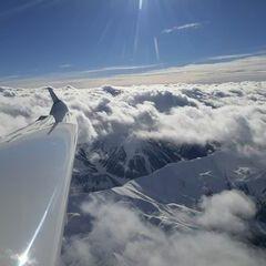 Flugwegposition um 10:49:16: Aufgenommen in der Nähe von Gemeinde Navis, Navis, Österreich in 4043 Meter