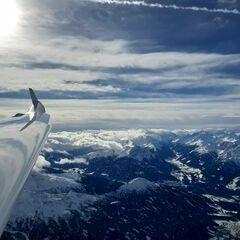Flugwegposition um 11:44:40: Aufgenommen in der Nähe von Gemeinde Mils, Mils, Österreich in 4371 Meter