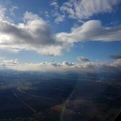 Verortung via Georeferenzierung der Kamera: Aufgenommen in der Nähe von Gemeinde Bad Fischau-Brunn, Österreich in 4000 Meter
