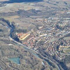 Flugwegposition um 12:57:23: Aufgenommen in der Nähe von Gemeinde Zelking-Matzleinsdorf, Österreich in 1051 Meter