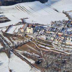 Flugwegposition um 12:50:25: Aufgenommen in der Nähe von Gemeinde Marbach an der Donau, Marbach an der Donau, Österreich in 1073 Meter