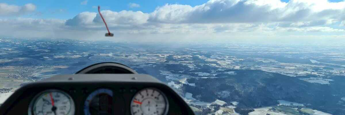 Flugwegposition um 11:08:30: Aufgenommen in der Nähe von Gemeinde Steyregg, Österreich in 903 Meter