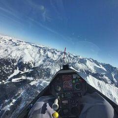 Flugwegposition um 11:35:30: Aufgenommen in der Nähe von Gemeinde Navis, Navis, Österreich in 3053 Meter