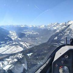 Flugwegposition um 13:33:19: Aufgenommen in der Nähe von Gemeinde Telfs, Telfs, Österreich in 2063 Meter