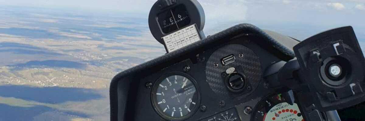 Flugwegposition um 11:23:00: Aufgenommen in der Nähe von Gemeinde Kohfidisch, 7512, Österreich in 1372 Meter