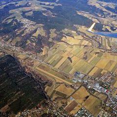 Flugwegposition um 13:03:47: Aufgenommen in der Nähe von Gemeinde Pinkafeld, Pinkafeld, Österreich in 2073 Meter