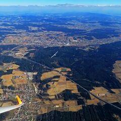 Flugwegposition um 11:49:41: Aufgenommen in der Nähe von Gemeinde Pinkafeld, Pinkafeld, Österreich in 2070 Meter