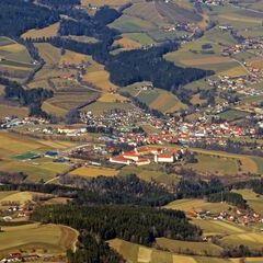 Flugwegposition um 11:33:50: Aufgenommen in der Nähe von Stambach, Österreich in 1956 Meter