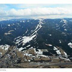 Flugwegposition um 12:09:22: Aufgenommen in der Nähe von Gemeinde Spital am Semmering, Österreich in 2012 Meter