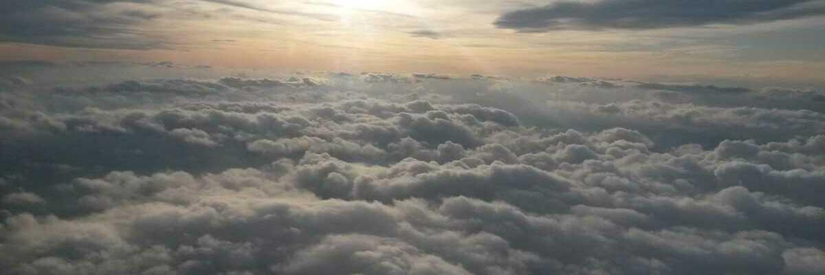 Flugwegposition um 15:57:29: Aufgenommen in der Nähe von Marktgemeinde Pinggau, Österreich in 3136 Meter