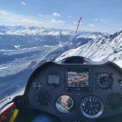Flugwegposition um 12:17:19: Aufgenommen in der Nähe von Innsbruck, Österreich in 2474 Meter