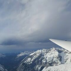 Flugwegposition um 14:44:28: Aufgenommen in der Nähe von Innsbruck, Österreich in 2691 Meter
