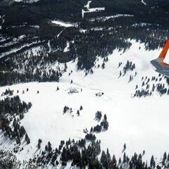 Flugwegposition um 11:35:57: Aufgenommen in der Nähe von Garanas, Österreich in 2023 Meter