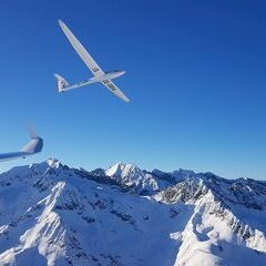Flugwegposition um 16:22:17: Aufgenommen in der Nähe von Gemeinde Neustift im Stubaital, 6167 Neustift im Stubaital, Österreich in 2947 Meter