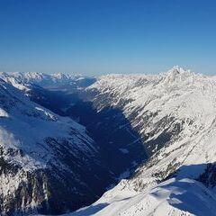 Flugwegposition um 16:21:06: Aufgenommen in der Nähe von Gemeinde Neustift im Stubaital, 6167 Neustift im Stubaital, Österreich in 3012 Meter