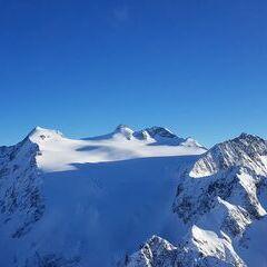 Flugwegposition um 16:20:49: Aufgenommen in der Nähe von Gemeinde Neustift im Stubaital, 6167 Neustift im Stubaital, Österreich in 3013 Meter