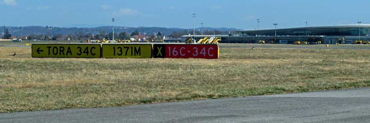 Flugwegposition um 09:54:53: Aufgenommen in der Nähe von Gemeinde Kalsdorf bei Graz, Österreich in 366 Meter