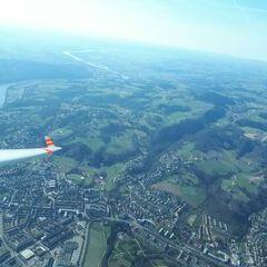 Flugwegposition um 14:37:42: Aufgenommen in der Nähe von Gemeinde Haibach im Mühlkreis, Österreich in 1840 Meter