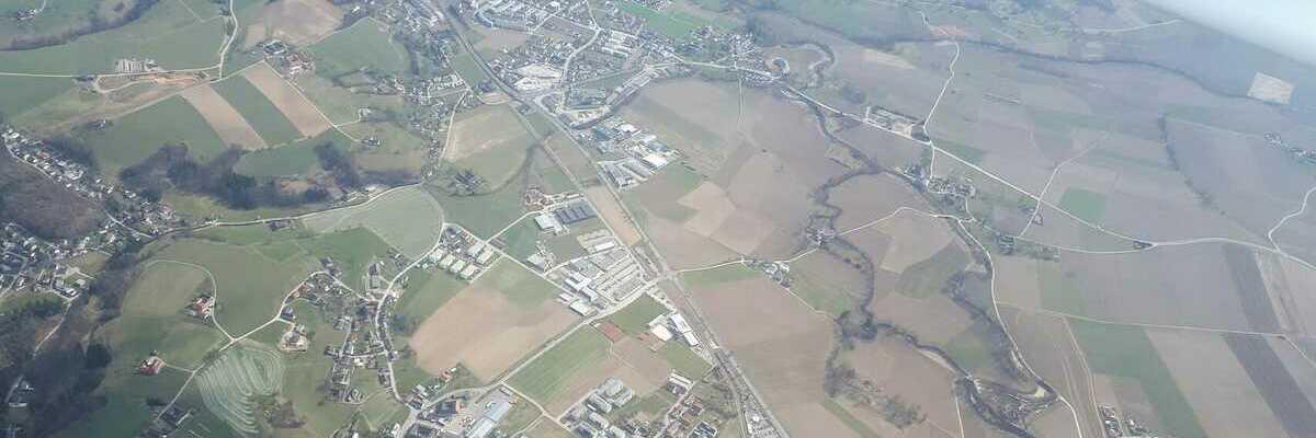 Flugwegposition um 13:49:11: Aufgenommen in der Nähe von Linz, Österreich in 1490 Meter