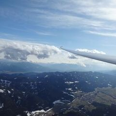 Flugwegposition um 15:44:55: Aufgenommen in der Nähe von Gemeinde Wöllersdorf-Steinabrückl, Österreich in 462 Meter