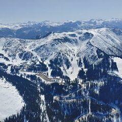 Flugwegposition um 12:01:44: Aufgenommen in der Nähe von Göstling an der Ybbs, 3345, Österreich in 1765 Meter