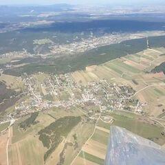 Verortung via Georeferenzierung der Kamera: Aufgenommen in der Nähe von Gemeinde Winzendorf-Muthmannsdorf, Österreich in 1300 Meter