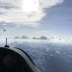 Flugwegposition um 15:18:10: Aufgenommen in der Nähe von Gemeinde Innerbraz, Innerbraz, Österreich in 3105 Meter