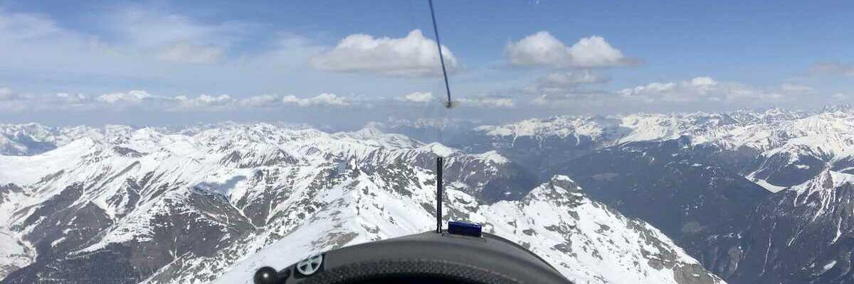 Flugwegposition um 12:51:28: Aufgenommen in der Nähe von Bezirk Inn, Schweiz in 3187 Meter