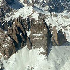Flugwegposition um 13:32:07: Aufgenommen in der Nähe von 32041 Auronzo di Cadore, Belluno, Italien in 3859 Meter