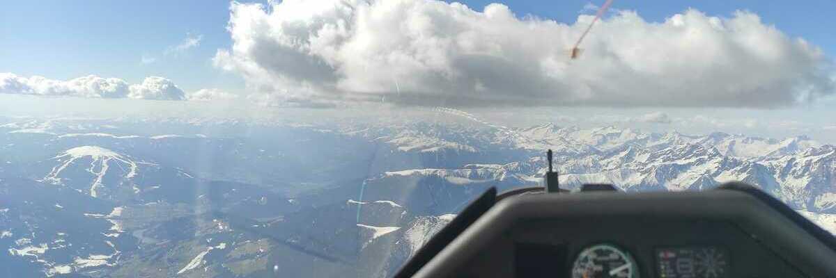 Flugwegposition um 13:40:21: Aufgenommen in der Nähe von 39034 Toblach, Südtirol, Italien in 3690 Meter