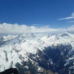 Flugwegposition um 13:21:27: Aufgenommen in der Nähe von Gemeinde Uttendorf, Österreich in 3253 Meter