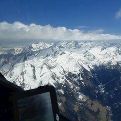 Flugwegposition um 13:21:21: Aufgenommen in der Nähe von Gemeinde Uttendorf, Österreich in 3249 Meter