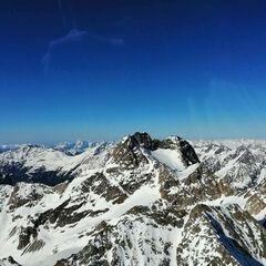 Flugwegposition um 15:36:57: Aufgenommen in der Nähe von Gemeinde Kaunertal, Österreich in 3204 Meter