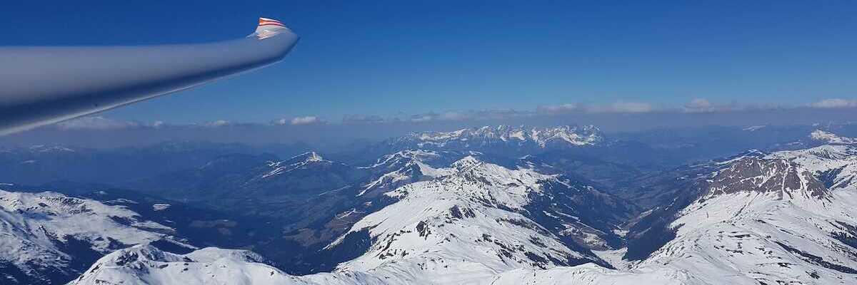 Flugwegposition um 13:32:49: Aufgenommen in der Nähe von Gemeinde Neukirchen am Großvenediger, Österreich in 2884 Meter