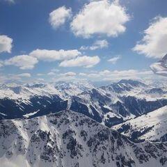 Flugwegposition um 12:04:18: Aufgenommen in der Nähe von Gemeinde Aurach bei Kitzbühel, Aurach bei Kitzbühel, Österreich in 2117 Meter