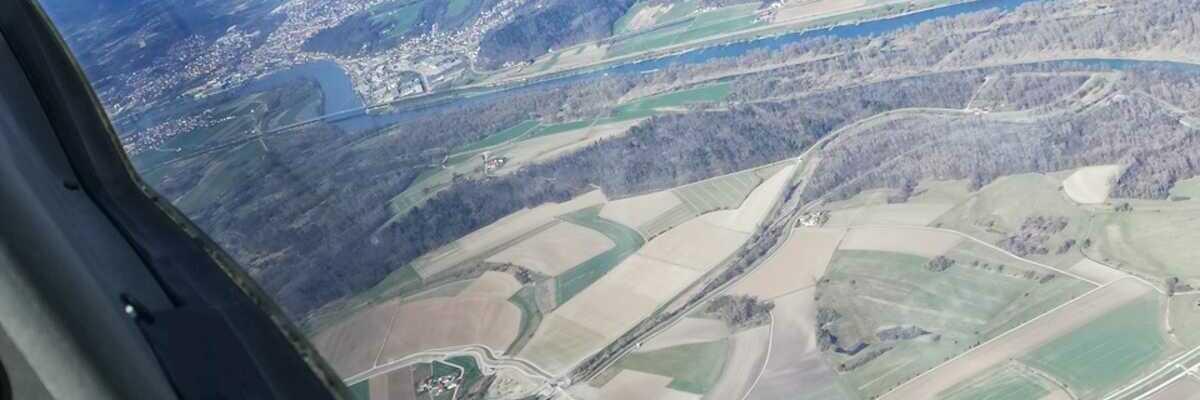 Flugwegposition um 13:31:37: Aufgenommen in der Nähe von Deggendorf, Deutschland in 1382 Meter