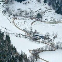 Flugwegposition um 12:47:27: Aufgenommen in der Nähe von Gemeinde Miesenbach, Österreich in 1197 Meter