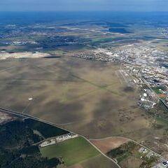 Flugwegposition um 14:25:15: Aufgenommen in der Nähe von Wiener Neustadt, Österreich in 1235 Meter