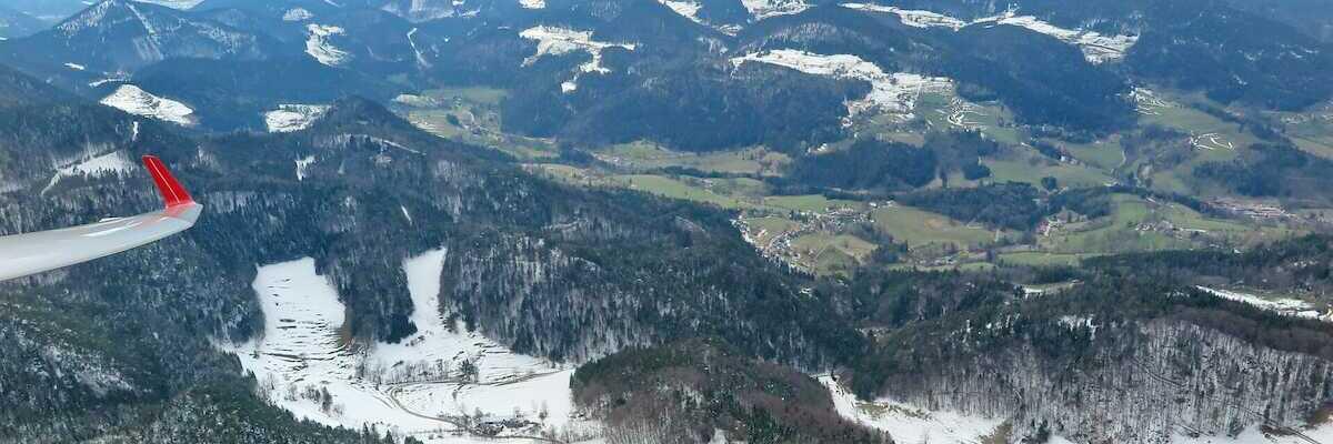 Flugwegposition um 12:47:19: Aufgenommen in der Nähe von Gemeinde Miesenbach, Österreich in 1175 Meter
