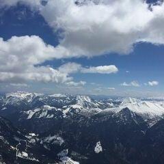 Flugwegposition um 11:32:42: Aufgenommen in der Nähe von St. Gallen, Österreich in 2433 Meter