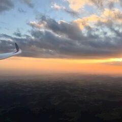 Flugwegposition um 17:43:17: Aufgenommen in der Nähe von Gemeinde Waldhausen im Strudengau, Waldhausen im Strudengau, Österreich in 1707 Meter