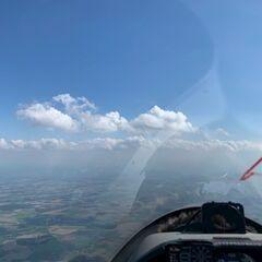 Flugwegposition um 13:41:40: Aufgenommen in der Nähe von Ansfelden, Österreich in 1837 Meter