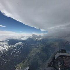 Flugwegposition um 12:13:50: Aufgenommen in der Nähe von Gemeinde Tulfes, Österreich in 3884 Meter