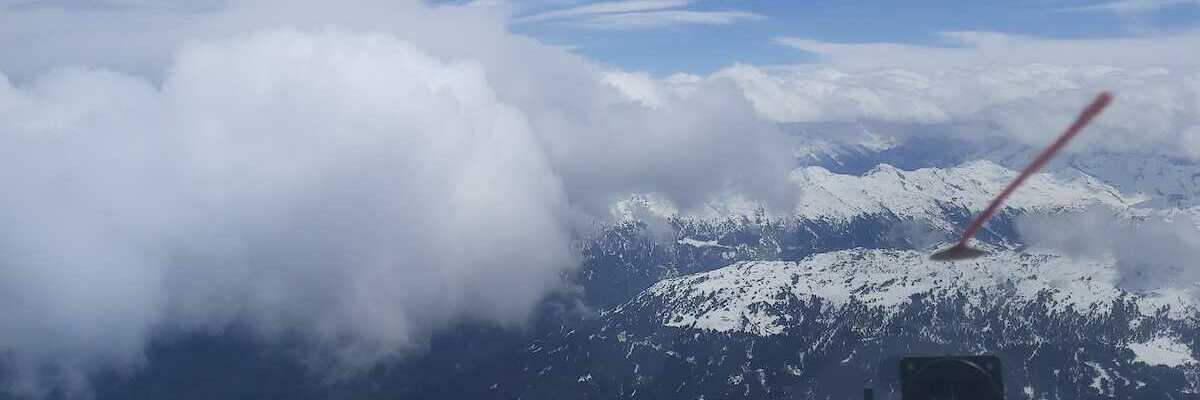 Flugwegposition um 11:25:49: Aufgenommen in der Nähe von Gemeinde Ampass, Ampass, Österreich in 3336 Meter