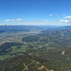 Flugwegposition um 13:54:20: Aufgenommen in der Nähe von Eppenstein, Österreich in 2007 Meter