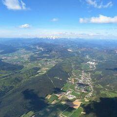 Flugwegposition um 08:11:03: Aufgenommen in der Nähe von Gemeinde Matzendorf-Hölles, Österreich in 1901 Meter